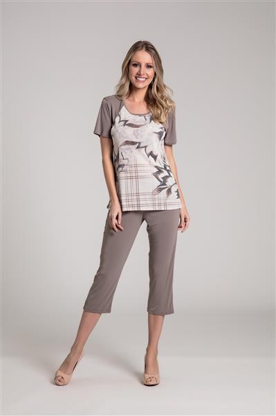 Pijama manga curta com capri
